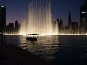 Read more about the article The Dubai Fountain (המזרקות של דובאי)